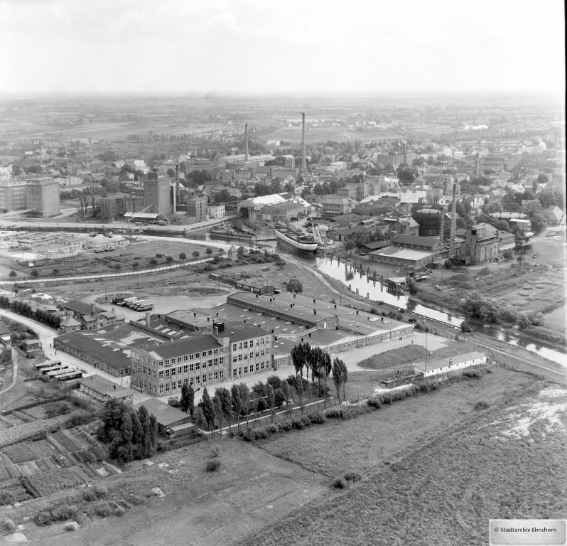 1954_08_Luftbild_013_Hafen_FZZA_Werft_Mühlen_798x768